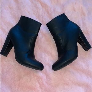 Bamboo Heeled Black Ankle Bootie